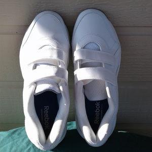 Ladies Reebok White Sneakers NWOT Size 7-1/2